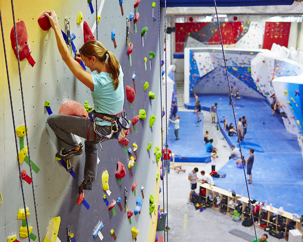 Massive Long Island City climbing center to open Oct  5