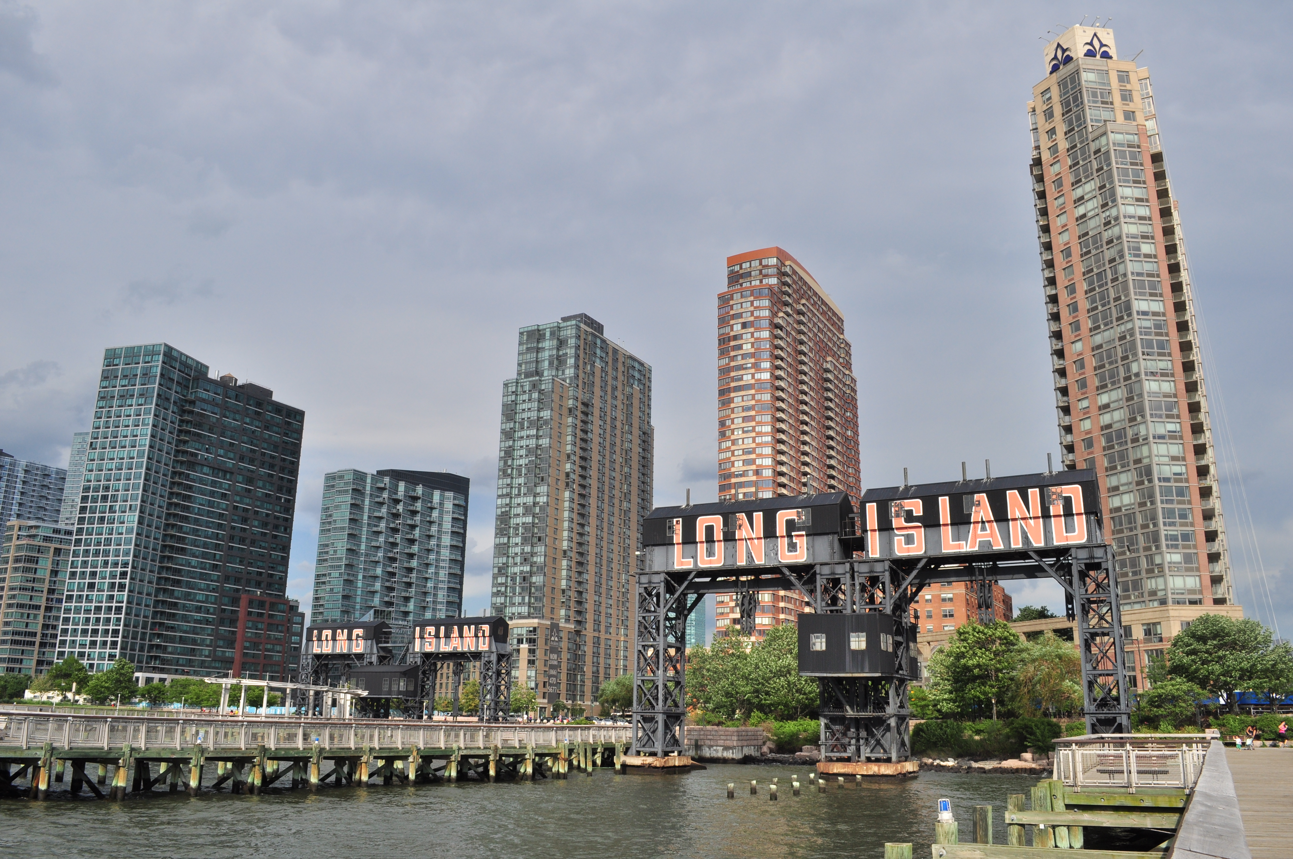 LIC rental prices soften, luxury apartments down 7% on average for ...