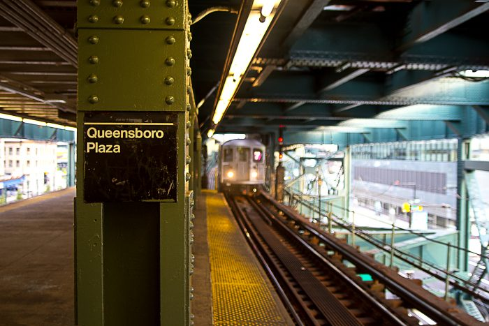 Man Stabbed Aboard 7 Train at Queensboro Plaza During Fight